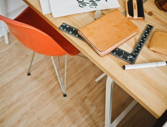 Escritorios y mesas